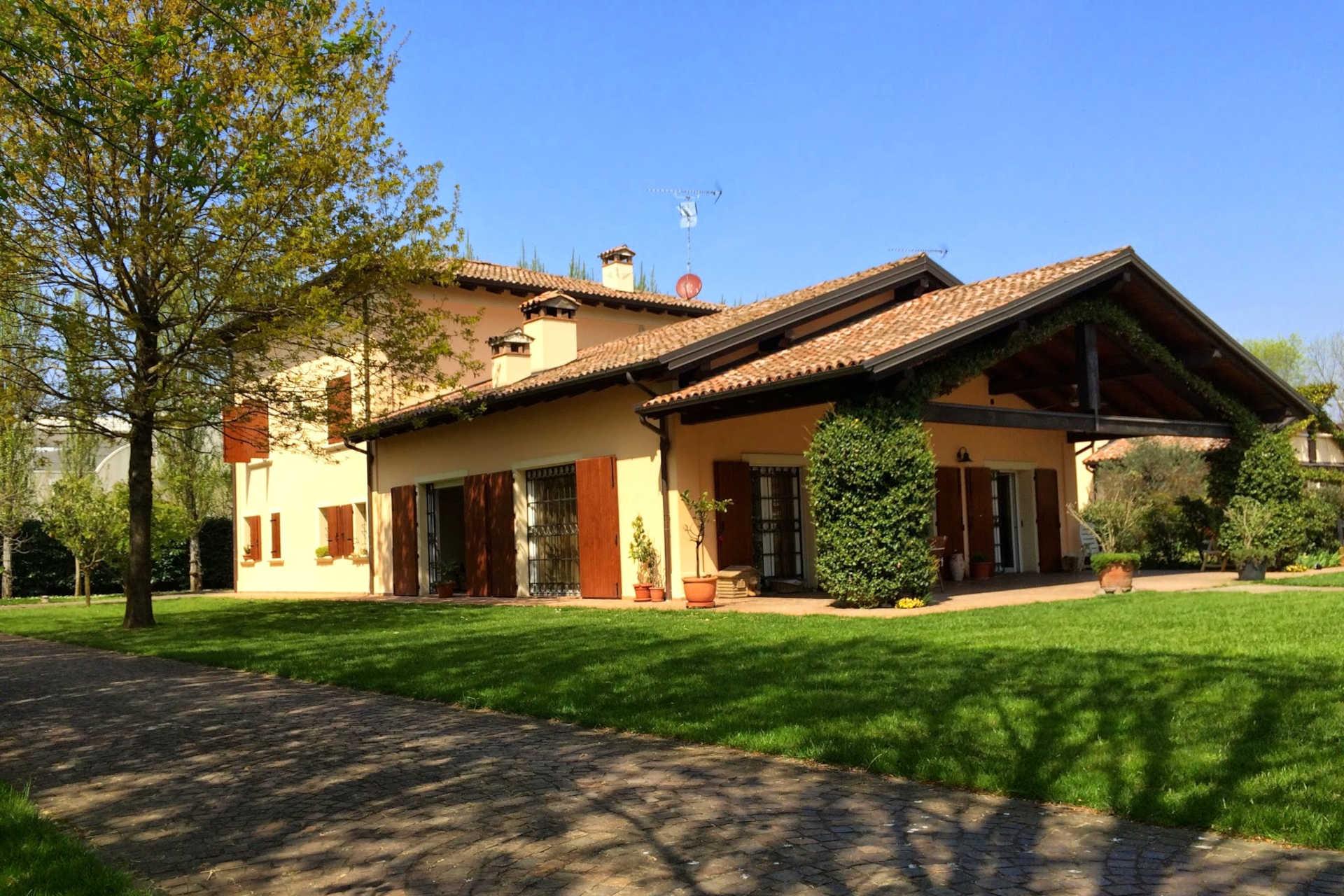Ville nella campagna bolognese